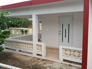 New 3 BR Just Two Blocks from Malecon & Beaches., Esperanza