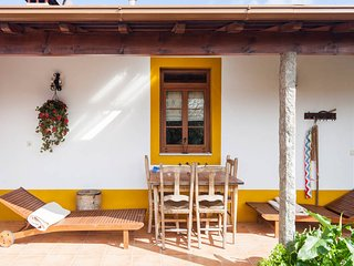 Grandmother's House with Private Pool, Espinho