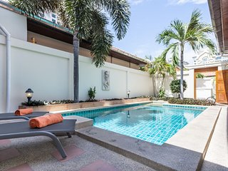Dasiri Private Beach Pool Villa 41, Pattaya