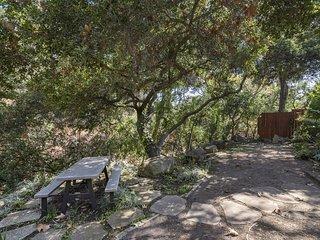 Custom creekside home in beautiful natural setting - Creekside Haven, Santa Bárbara