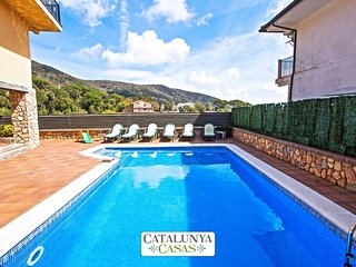 Villa Sant Iscle in Costa Maresme, only 15 minutes to the beach!