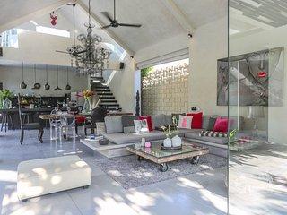 Prana, 3 Bedroom Modern Designer Villa, Nr Seminyak