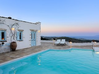 Luxury villa with gorgeous views, Lefkes
