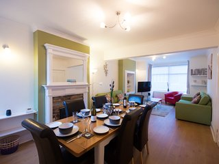 Scarborough. Family House. sleeps 8-9 people