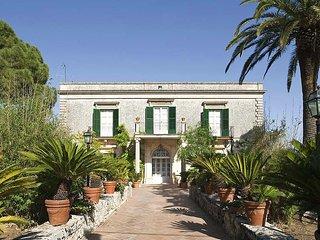 Villa Cica Sicilian villa rent Modica