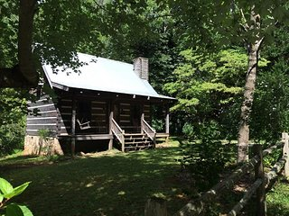 Creekside Log Cabin Rental: Walnut Falls