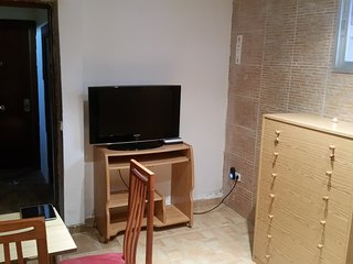 2 Bedroom Buenos Aires Apartment, Madrid
