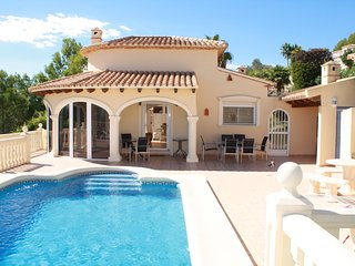 Luxury villa, La Sella, Private pool, air con, wifi, sleeps 8, sea views.