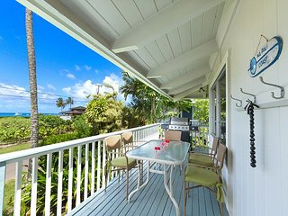 Steps to Beautiful Hanalei Bay with ocean views!!  Upgraded and Remodeled!