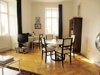 Augarten Blick apartment in 20. Brigittenau with WiFi & lift.