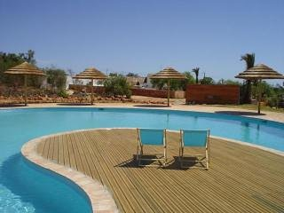Algarve at its finest: 2 bedroom condo (free wifi), Alcantarilha