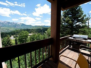 Completed Remodeled - Large Townhome - Amazing Views - Steps to Lifts