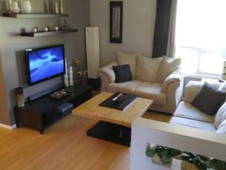 4BR home away from home, near shopping and dining!, Winnipeg