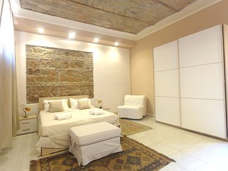 Apartment in the Historical Center of Rome near Colisseum - WiFi, A/C