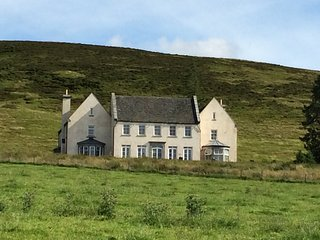 Alexander House, with Pool and Hot Tub - Sleeps 21, Auchterarder