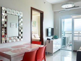 Exquisite 2-Bedroom Seaside Apartment in Mactan Cebu, Lapu Lapu