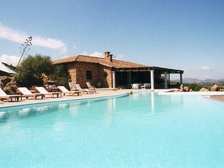 Villa over the sea, with garden and swimming pool, Porto San Paolo