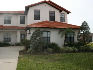 Spacious 5 BR 4 BA Private Pool w/Game Room in Gated Community Near Disney