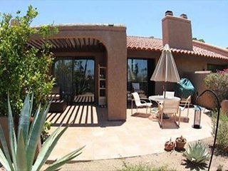 Remodeled 2BR/2BA Patio Home in Rams Hill Community with Mountain Views, Borrego Springs