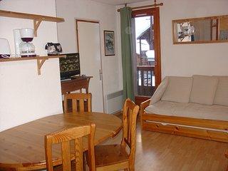 séjour et porte dela cabine, balcon Est