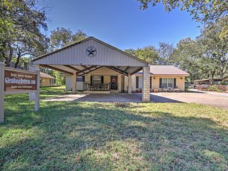3BR Glen Rose House Walking Distance from Town!