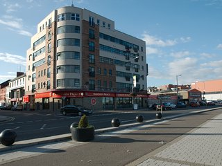CITY CENTRE QUEENS COURT TWO BED APARTMENT DERRY