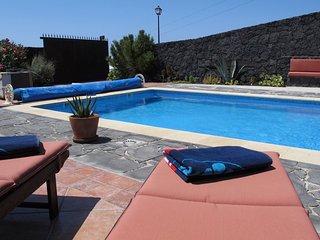 Luxurious home Casa Oasis de La Asomada with shared pool