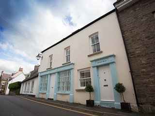 No. 3 Mortimer House 4* WTB s/c Crickhowell centre