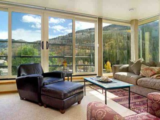 Shuttle or Bus to Slopes from Simba Run 5th FL Condo, Indoor Pool & Hot Tubs, No