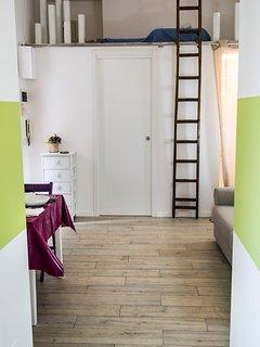 Porta del bagno e soppalco