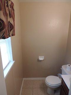 Master Bedroom 1/2 Bath