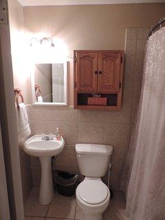 Full Bathroom with Shower/Tub