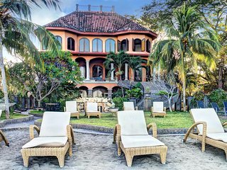 Beach Front Spanish Colonial Villa-Private Pool FL