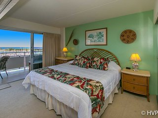 Ilikai 908 Ocean / Sunset / Marina Views King Bed