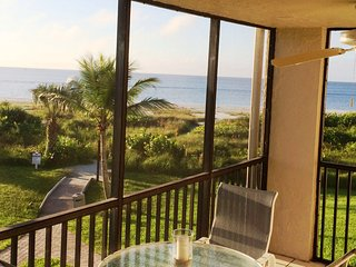 Sanibel Surf Sounds & Beachfront View, Bikes/Wifi, Sanibel Island