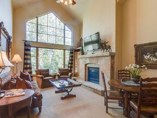 Condo w/shared pool & hot tub at the base of Beaver Creek Resort!