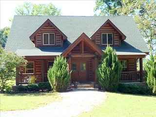 Upscale Log Home on the White River!, Cotter