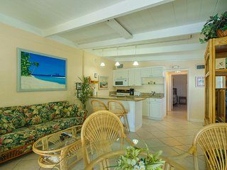 3 Min Walk to Cabana Club, Pool & Inch Beach DOCK WiFi, FALL SALE 9/9-12/14 $895, Key Colony Beach