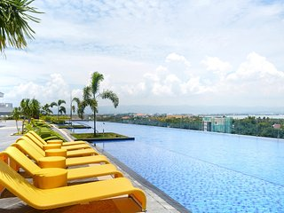 Luxury 1-Bedroom in Mactan Newtown