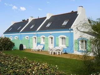 La Longère – two comfortable houses on Belle île en Mer with WiFi – 500m from the beach!, Bangor