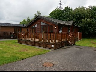 Wooden Top Lodge with Hot Tub, Carnforth