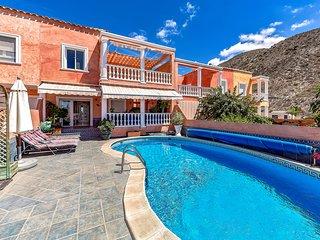 3 bedroom Villa in Los Cristianos Tenerife
