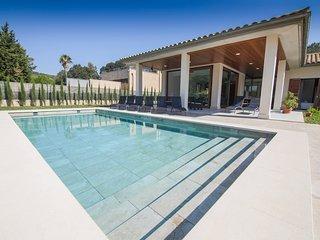 Villa Olivera luxurious, modern&airy near Pollença, Sa Pobla