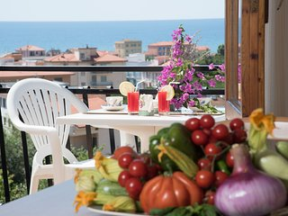 Studio 22 m² - Balcony with nice sea view - Parking - Air conditioning - Wifi