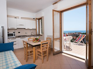 Lovely 2 Bedrooms apartment 55 m² with Air Conditioning - Pool - Parking - Wifi, Pietra Ligure