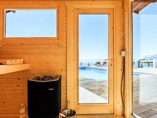 Luxurious Modern Mountain Villa