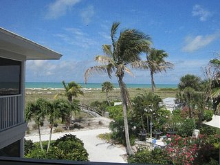 Spectacular View of the Gulf Very Pretty Corner Villa at the Beach A3224A