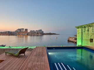 Spectacular Valletta House With Pool