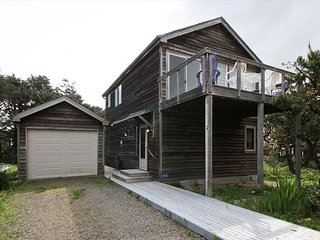CHINOOKERY ~ MCA# 1441 ~ Great ocean views!  1/2 block from the beach!, Manzanita