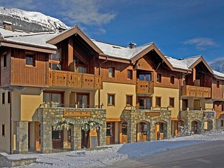 Apartment Bellevue, opposite cable and slopes, Les Houches